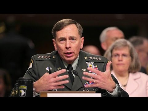 David Petraeus admits to leaking classified info