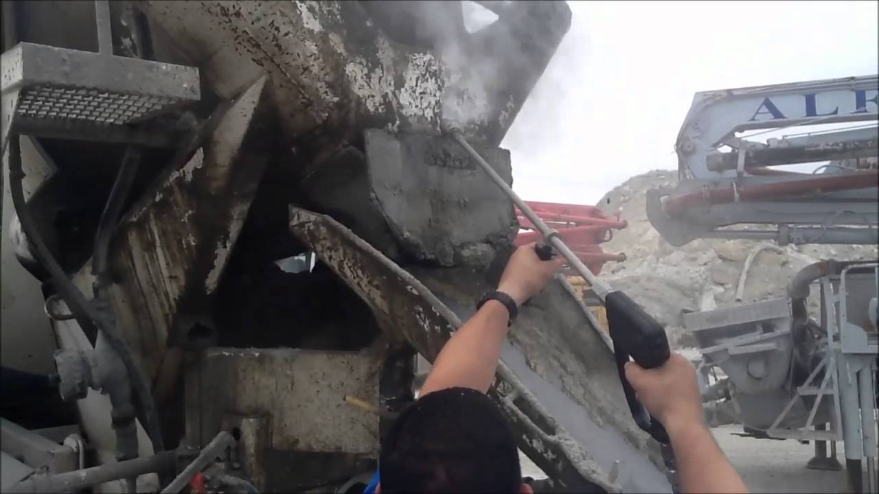 Removing Concrete from Mixer - 500 bar