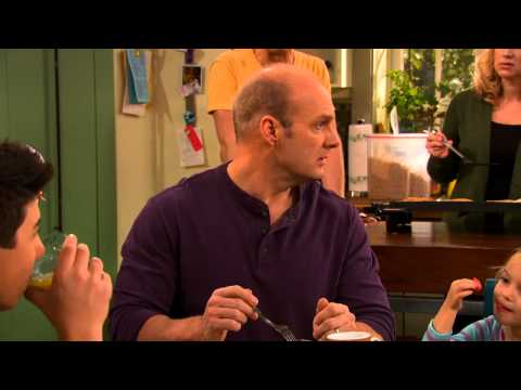 Good Luck Charlie 4.05 (Clip)