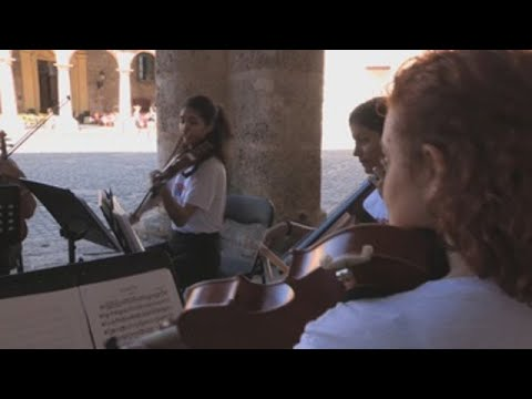 Mozart coincide por un día con la rumba cubana en calles de La Habana Vieja