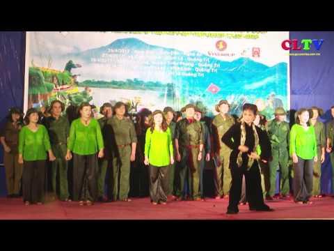 Tổ chức chương trình đưa quê hương vào cho đồng đội