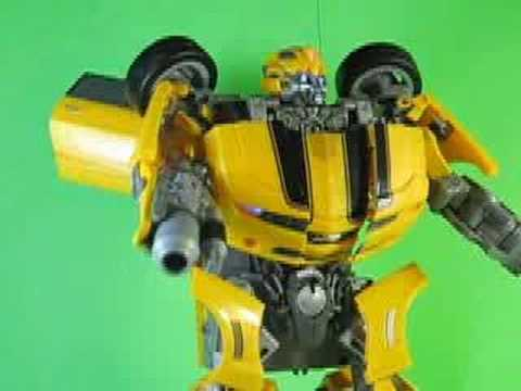 MovieUltimate - This video is more live action than animation. Ultimate Bumblebee isn't really that poseable, and his large size made it difficult to keep everything in the ...