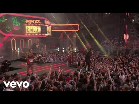 Kissing Strangers (Live From iHeartRADIO - DNCE