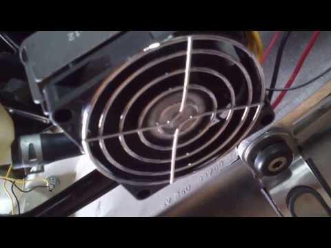 comment demonter batterie sv 650