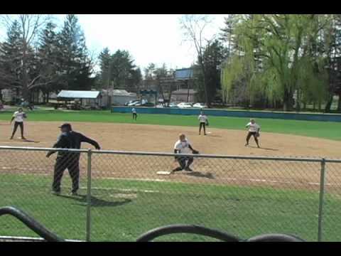 Softball drops to Moravian in twinball