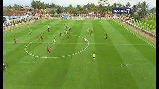 Download Video Lapangan Sepak Bola Desa Cisayong Memenuhi Standar Kualifikasi Internasional MP3 3GP MP4