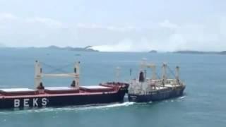 Video Bulk carriers collide at sea (Video) MP3, 3GP, MP4, WEBM, AVI, FLV November 2018