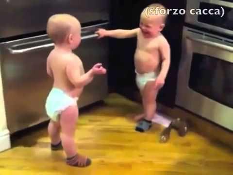 dialogo tra 2 gemellini, perché i bimbi parlano.. eccome!