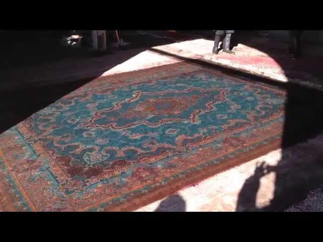ペルシャ絨毯のクリーニングやその他の作業