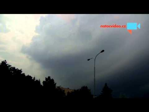 Příchod bouřky nad Prahu 21.7.2014