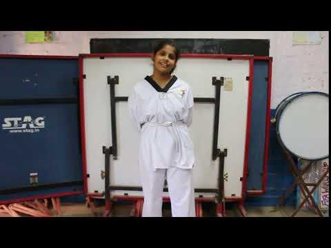 Karate kid intro sANDALI