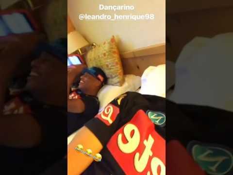 Leandrinho balla… anche quando dorme!