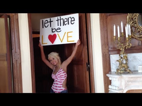 Christina Aguilera – Let There Be Love