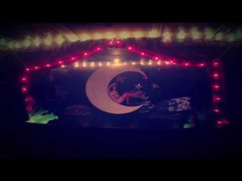 Jesse Harris - Borne Away (featuring Charlotte Kemp Muhl)