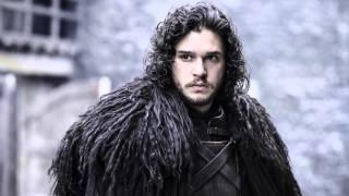 -HAYVAN GİBİ SPOILER İÇERİR- Game of Thrones'un yeni sezonuna 1 kala diziyle ilgili herşeyi, tüm çıplaklığıyla, diziyle ilgili pek bir fikri olmayan Tansu'ya, diziyle ilgili çok fikri olan Uğur anlatıyor. Anlat anlat bitmediği için bu büyük hizmetin devamını 2. bölümde izleyebilirsiniz