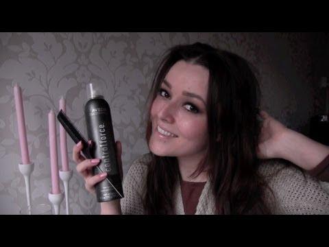 haarspray - De comments bij youtube staan uitgeschakeld, om een comment achter te laten kan je naar het artikel van dit filmpje gaan: http://www.beautygloss.nl/2012/01/1...