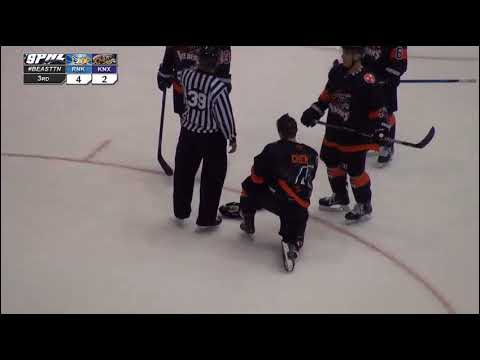 Roanoke's Riley Spraggs destroys Knoxville Ice Bears Michael Chen