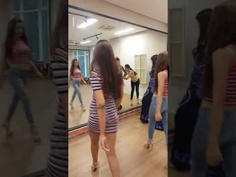 MGKL 2017 final preparations (catwalk class) with Ery M. Base Model Management (видео)