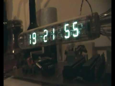 IW 18 - Zegar-termometr-kalendarz na lampie FVD IW-18,Procesor ATMEGA8,2* układy Darlinga ULN2804, zegar czsu żeczywistego DS1803, 2*CZUJNIK TEMP. DS18B20. projekt b...