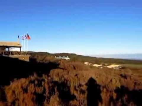 無雲晴空下的Tongariro ..