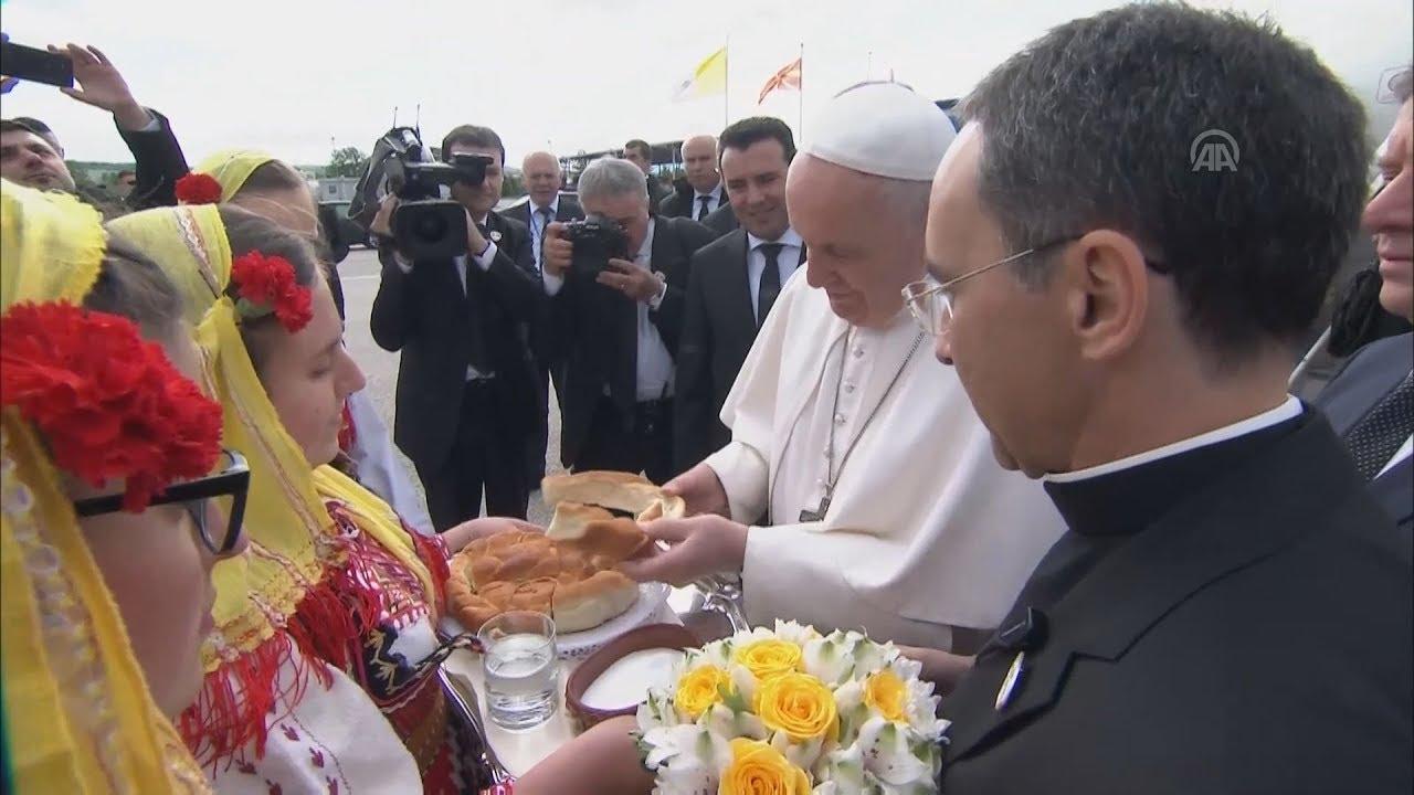 Θερμή υποδοχή στον Πάπα Φραγκίσκο στα Σκόπια