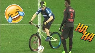 Video LES MOMENTS DROLES DU FOOT EN 2017 MP3, 3GP, MP4, WEBM, AVI, FLV Agustus 2017