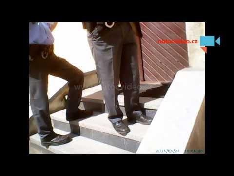 Agresivní policajt