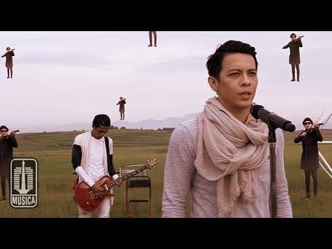 Video NOAH - Menunggumu (Official Video) download in MP3, 3GP, MP4, WEBM, AVI, FLV February 2017