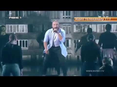 """Рівненчанин пройшов до півфіналу популярного шоу """"Голос країни"""" [ВІДЕО]"""