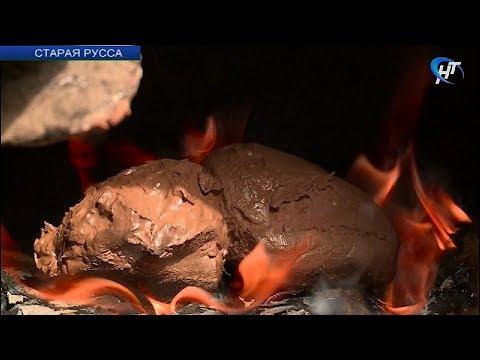 В «Усадьбе средневекового рушанина» показали, как готовится их уникальная четверговая соль