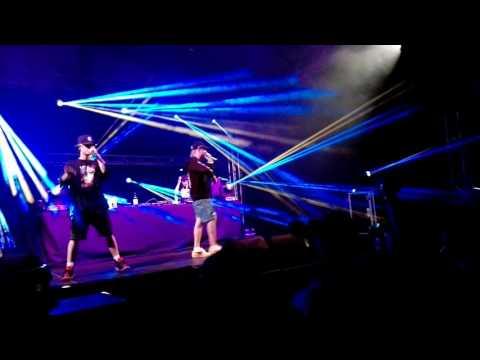 LOGIC (yyy) X GUMBGU - Pozdě (live Trenčín)