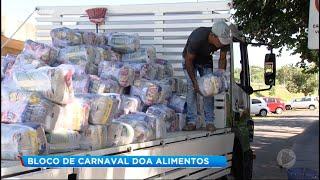 Bloco de rua usa renda do Carnaval para doar alimentos