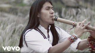 Leo Rojas Chica retronew