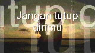 Video JANGAN TUTUP DIRIMU - iwan fals MP3, 3GP, MP4, WEBM, AVI, FLV April 2019