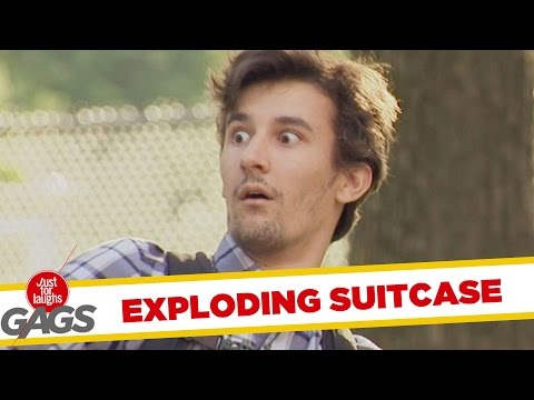 Troll có bom trong vali, giật cả mình :v