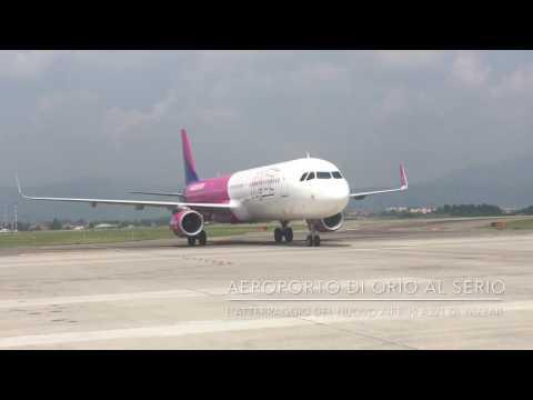L'atterraggio dell'Airbus A321 di Wizz Air a Orio