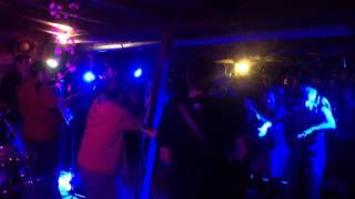 Video Feher fekete kerek v Baru Nebe 12.10.2014