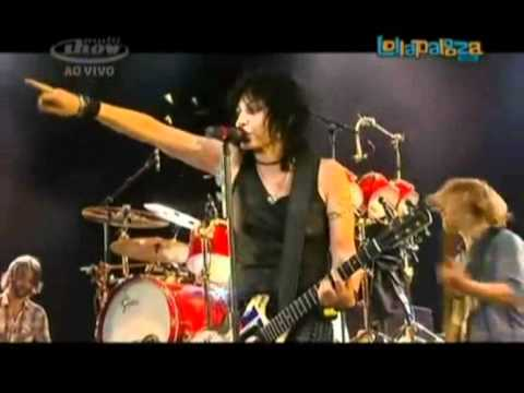 Joan Jett - Bad Reputation (feat. Foo Fighters) 2012