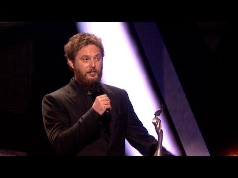Dodela nagrada Brit protekla u znaku Dejvida Bouvija (VIDEO)