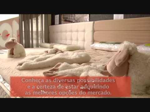 Uma pegada na cidade e uma pegada na praia.Juliana Pippi uniu elementos contrastantes no projeto de um apartamento compacto em Florianópolis. CONFIRA O RESULTADO.