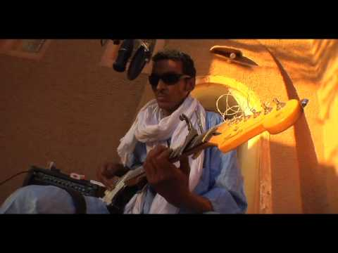 Bombino - DOWNLOAD THE FREE SINGLE: http://facebook.com/​pages/​Bombino/​140812672646733 http://twitter.com/​bombinoafrica Bombino's New Album