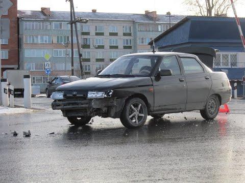 ДТП на перекрестке улиц ЖД и Торговая в г.Югорске 30.10.2014.г ХМАО