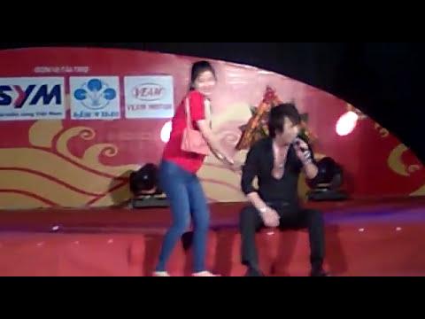 Châu Việt Cường giao lưu hài hước với Fan nữ
