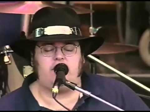 The world needs more bands like Blues Traveler. He changed those kids lives at that show. Absolutely beautiful.