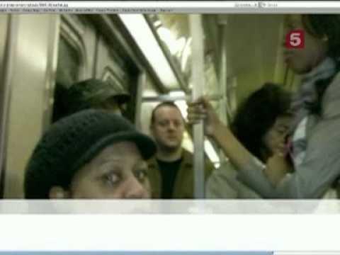 Пристали в метро видео
