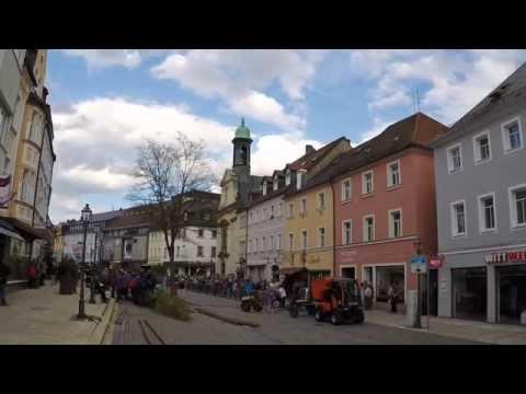Aufstellen des Maibaums in Marktredwitz (2015)