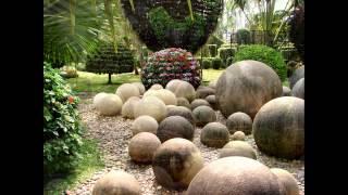 Сад камней в Тайланде. Тропический  сад.