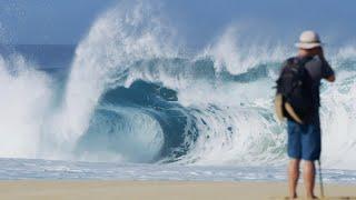 Video Florence surfing hollow sandbar down from Pipeline MP3, 3GP, MP4, WEBM, AVI, FLV Agustus 2019