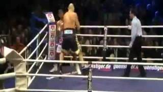 David Haye beats 7ft 2in 23 stone Nikolay Valuev for the WBA  Title