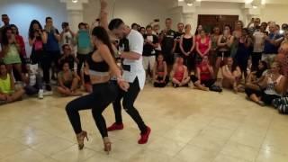 ¿Quieres bailar bachata? Sigue estos 4 grandes ejemplos que la rompen en YouTube [VIDEOS]